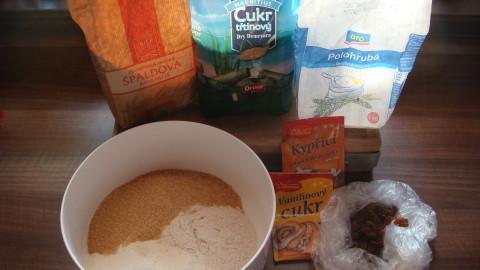 Perník s čokoládovou polevou a kokosem
