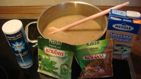 Květáková krémová polévka