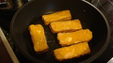 Hrachová kaše s uzeným tofu v těstíčku