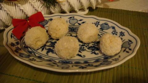 Kuličky z kokosového mléka nepečené