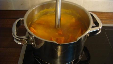Krémová polévka z dýně Hokaido