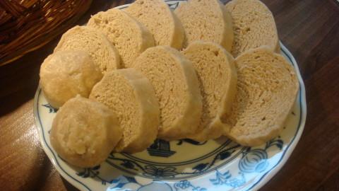 Celozrnné pšeničné houskové knedlíky