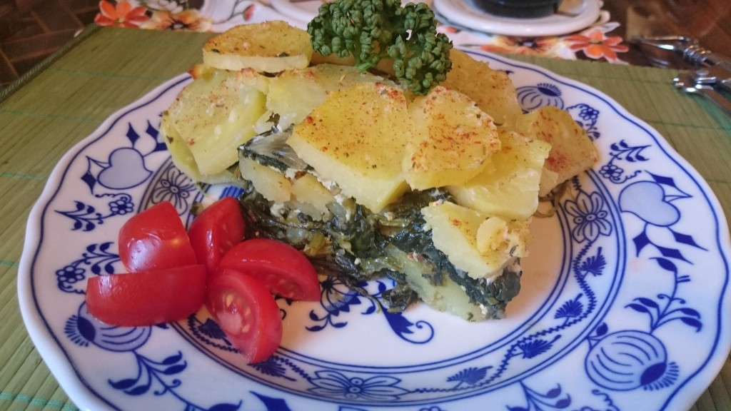 Zapečené brambory s listovým špenátem