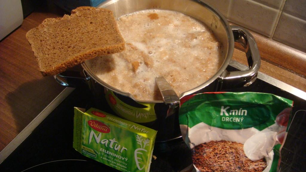 Žitná chlebová polévka z Krkonoš