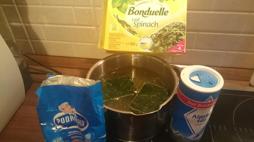 Bílá špenátová polévka